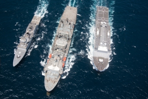 RFA Fort Victoria conducts a dual RAS with Johan de Witt and HNoMS Fridjof Nansen.