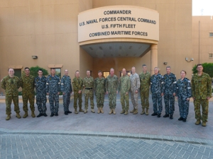 Australian contingent in Bahrain meets with Major General Orme and Vice Admiral Miller. Photographed by MC2 Michael Wright, US Navy
