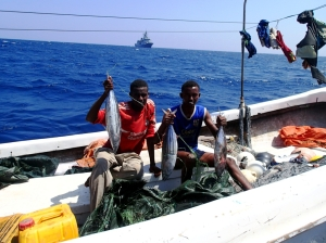 HMNZS Te Mana contributes to counter-piracy efforts by engaging with local fishermen