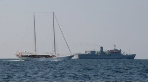 The Albudayyi and Royal Fleet Auxiliary Fort Austin at sea in the Gulf of Oman.