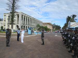 Commander Combined Task Force 150, Commodore Daryl Bates, Royal Australian Navy receives a farewell by a Mozambique Navy ceremonial guard in Maputo, Mozambique.