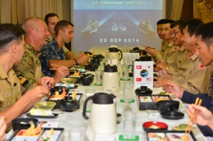 Lively discussion over lunch between representatives from JS Takanami and HDMS Esbern Snare