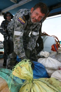 TOOW sailor securing narcotics
