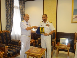 Rear Admiral Pakorn Wanich from the Royal Thai Navy and Commander CTF-151 was warmly welcomed by Rear Admiral Abdullah Bin Kahmis Al-Raisi, Commander of the Royal Navy of Oman