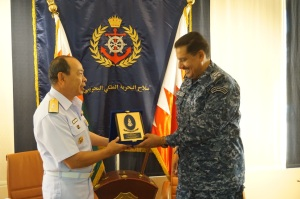Rear Admiral Pakorn Wanich and Brigadier General Khalifa Bin Abdullah Khalifa, Commander of the Royal Bahrain Naval Force, exchanged gifts as a sign of friendship between CMF and the Royal Bahrain Naval Force