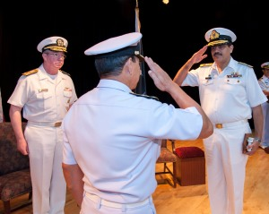 Commodore Asif Hameed Siddiqui SI(M) of the Pakistan Navy accepts command of CTF-151 from Rear Admiral Pakorn Wanich of the Royal Thai Navy