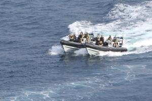 HMS Richmond boarding team conduct 'boardand search'