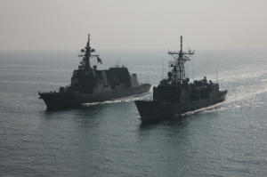 CTF 151 Units TCG Gemlik and JS Akizuki meet in the Gulf of Aden