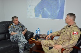 20121216_ch-of-ran-visits-ctf-150_meets-cdre-edmundson