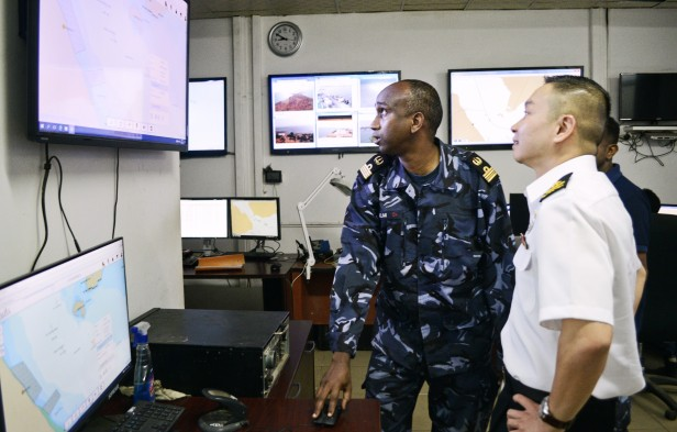 20180722-CCTF 151 visits Djibouti Navy Shore Operations Centre on KLE